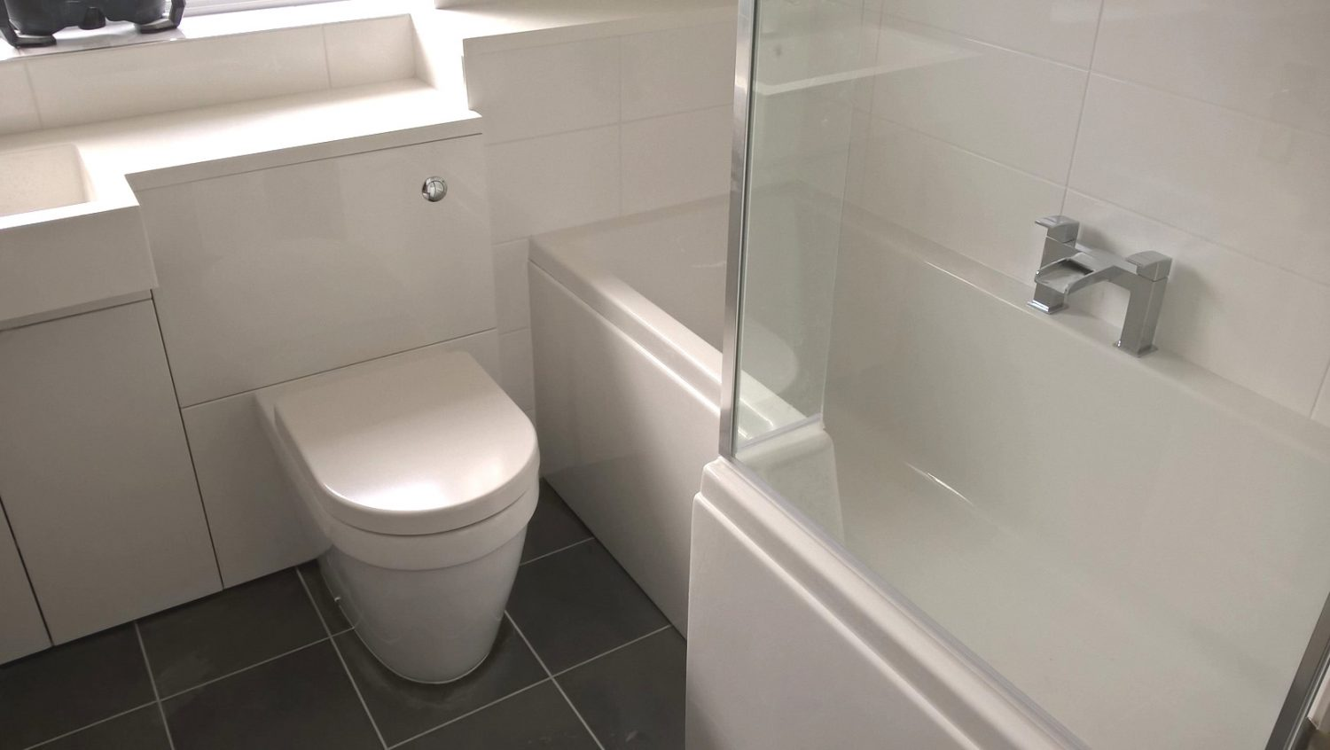 Bathroom Refit with Polymarble Surface – Wellington